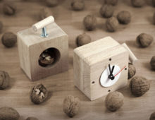vice clock – nut cracker
